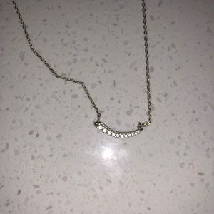 Dainty Kendra Scott necklace